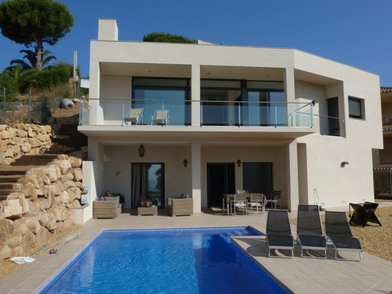 Casa Costa Brava | Via27 - Juli Llueca